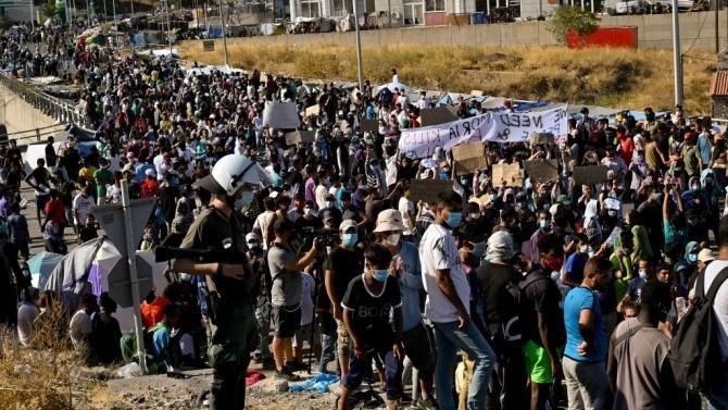 50 непълнолетни мигранти ще бъдат прехвърлени от гръцки бежански лагер в Германия