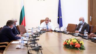 България държи успешно епидемията под контрол, докладваха на Борисов. НОЩ се завръща в ефир