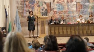 Цвета Караянчева: Цветанов рязко смени отношението си както към президента, така и към служебния кабинет