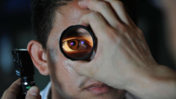 Известен офталмолог ще преглежда във Велинград