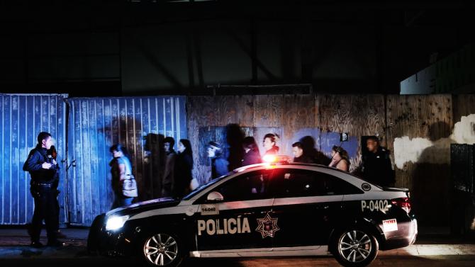 Единайсет души бяха застреляни в бар в Мексико