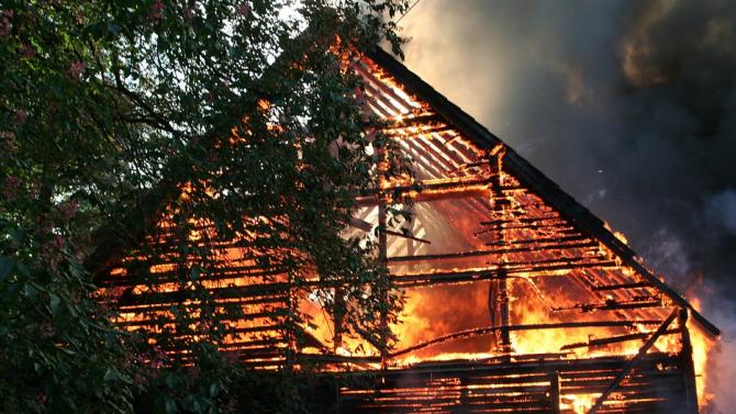 6 семейства останаха без подслон след пожар в Разлог. Няма