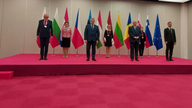 Министър Танева се срещна с колегите си от Вишеградската четворка