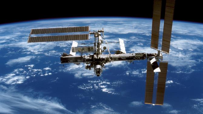 Завърши изолацията на екипажа на МКС в руския сегмент на станцията