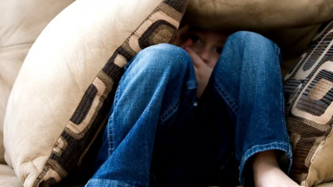 Съд остави в ареста мъж от Хасково, блудствал с малолетни момченца