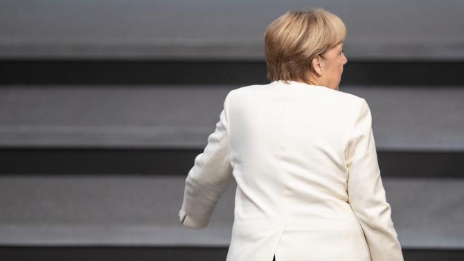 """Ангела Меркел призова за """"незабавно спиране на огъня"""" в Нагорни Карабах"""