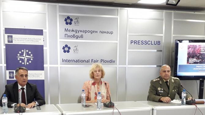 Генерал-лейтенант Димитър Илиев: Войските, силите и оръжията зависят, както никога досега, от кибер пространството