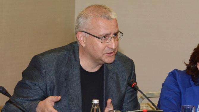 Светослав Малинов: България е като студент, който 10 години се явява на поправителна сесия