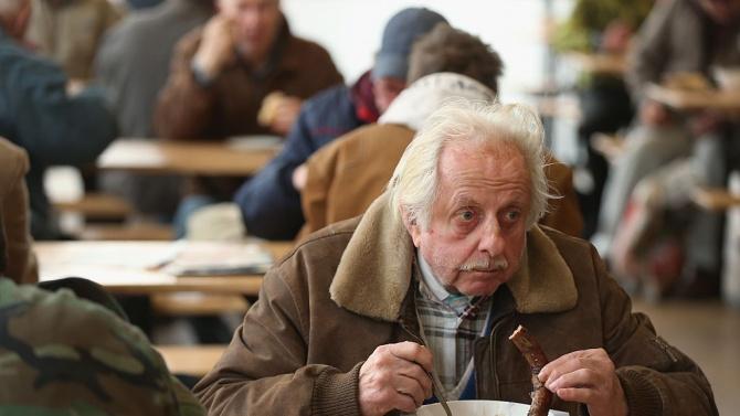 69 души от община Елена получават топъл обяд у дома
