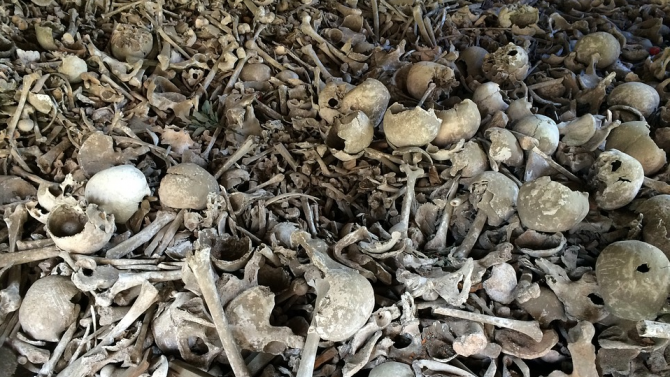 Откриха хиляди човешки кости в дома на британски хирург