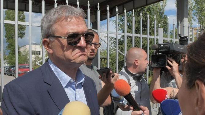Единият от адвокатите на Бобоков със симптом на COVID-19