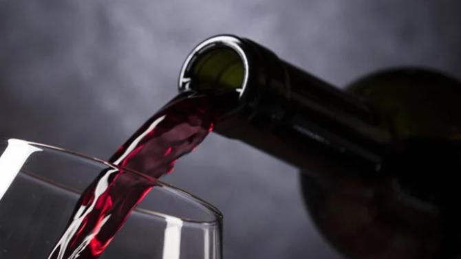 """Третият """"Фестивал на винарите-2020"""" започна на крепостта """"Туида"""" край Сливен"""