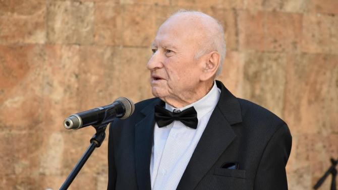 Почина почетният гражданин на Община Ловеч Найден Ангелов - Учителят
