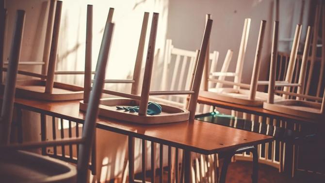 Езиковата гимназия в Кърджали преминава на дистанционно обучение заради случай на COVID-19