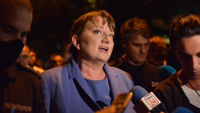 Министър Сачева срази журналист, след остри думи за протестите