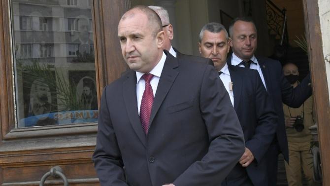 Виктор Димчев: В следващия епизод той иска оставките на целия ЕС, юмрукът успява и става новия Палпатин