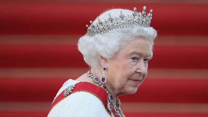 Елизабет Втора отмени всички събития в Бъкингамския дворец до края на 2020 г.
