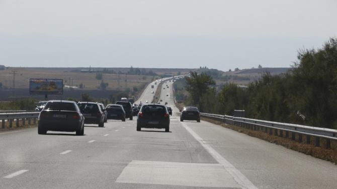 """Движението е в една лента при 32 км на АМ """"Тракия"""" заради катастрофа"""