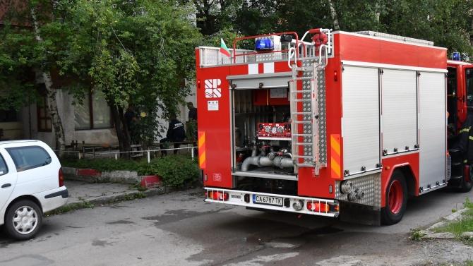 Спасиха от пожар трудно подвижна жена