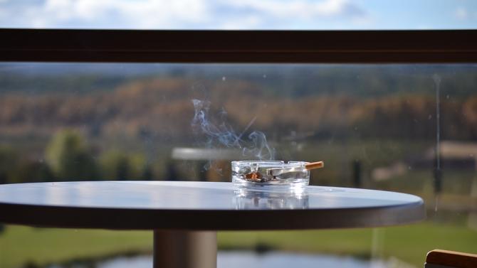 Литва забранява пушенето на балкони, ако поне един живущ е против