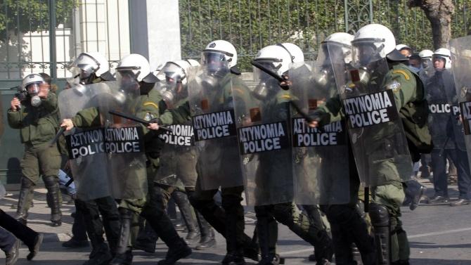Гърция обвини десетки служители на НПО-та в шпионаж. Има и българи