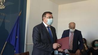 Здравният министър издаде три заповеди във връзка с eпидемичната обстановка