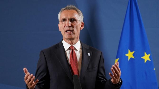 Генералният секретар на НАТО е в Атина