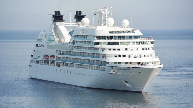 Големите круизни кораби отиват на скрап заради пандемията