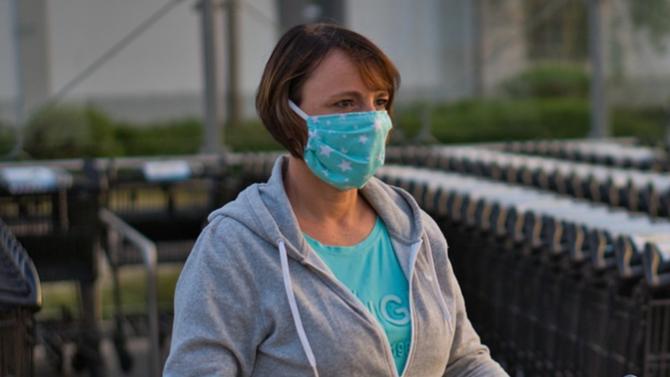 Италия днес направи задължително носенето на предпазни маски на открито