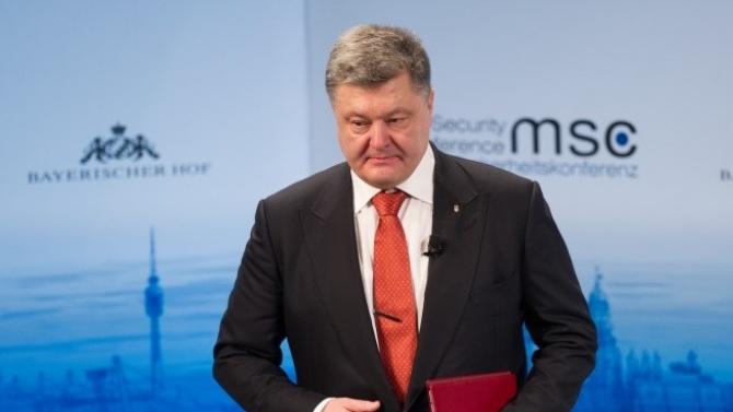 Влоши се състоянието на Петро Порошенко заради COVID-19