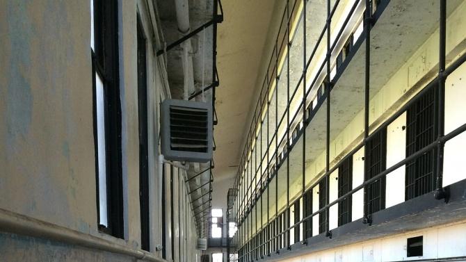Задържаха за 72 часа непълнолетния извършител на поредица от кражби в столичния кв. Витоша