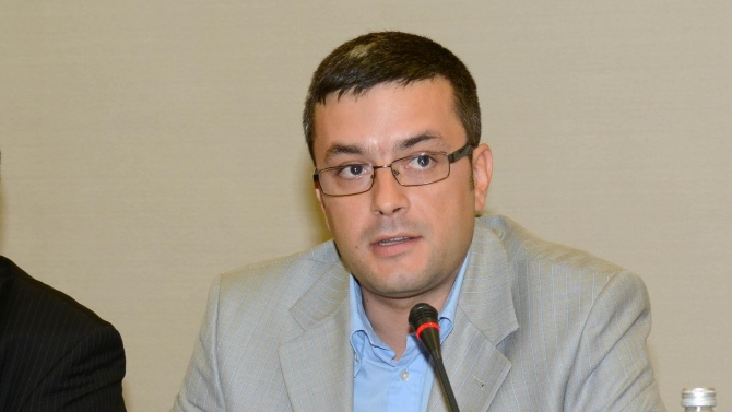 Тома Биков скочи остро на БСП и ДПС за резолюцията на ЕП за България
