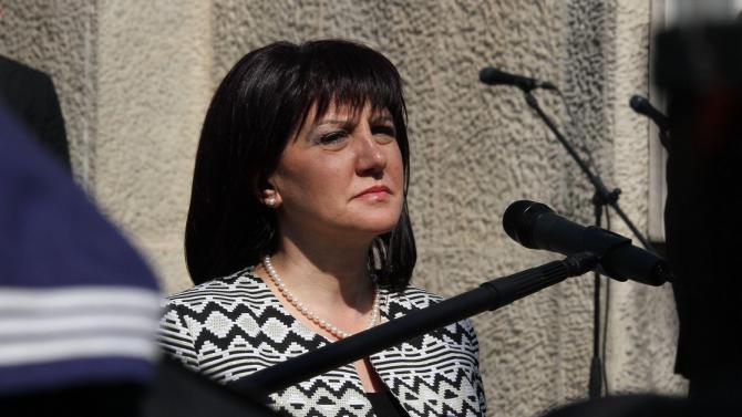Цвета Караянчева: Резолюцията на ЕП е политически акт и ще се ползва само от опозицията