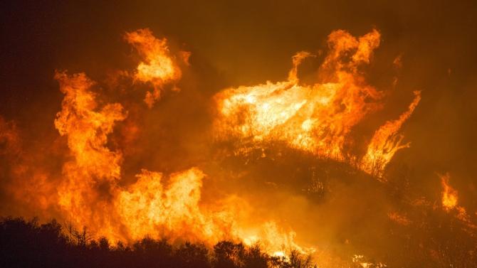 Горски пожар в Северен Израел наложи евакуацията на 5000 души