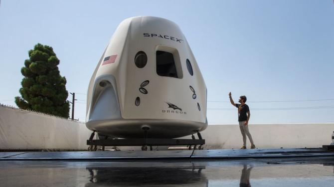 """НАСА отложи за ноември изстрелването на пилотирания кораб """"Дракон"""""""