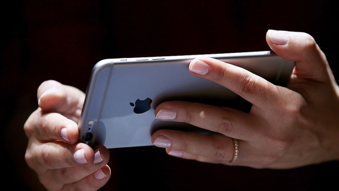 Apple представи първия си iPhone с 5G