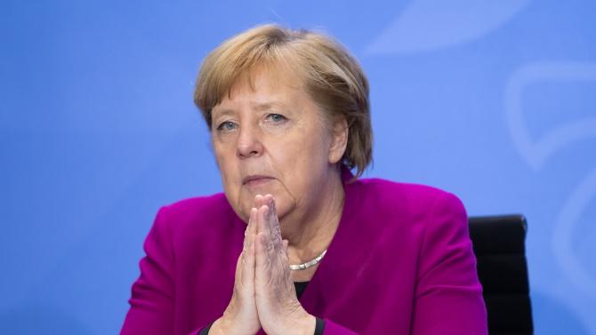 Меркел: Германската икономика няма да издържи ново затваряне, пандемията трябва да бъде овладяна