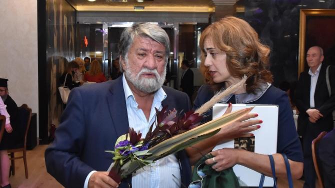 Вежди Рашидов: Г-жо Нинова, стига с тази любов към Борисов!
