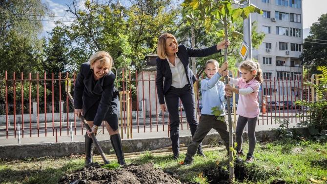 Фандъкова: Тази есен ще засадим над 1000 дървета в 26 софийски училища