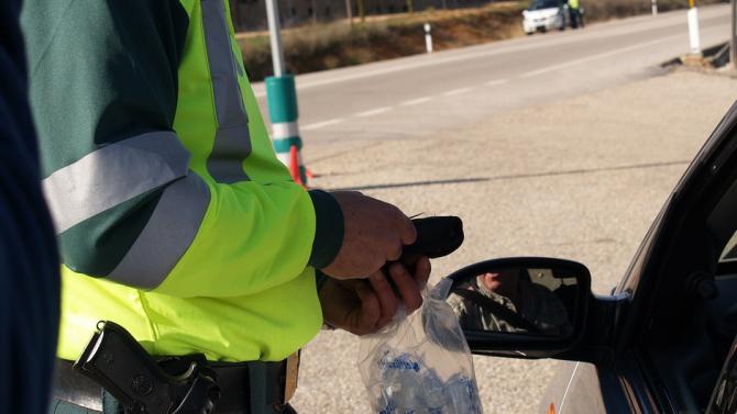 Двама шофьори с алкохол над 2 промила са установени при