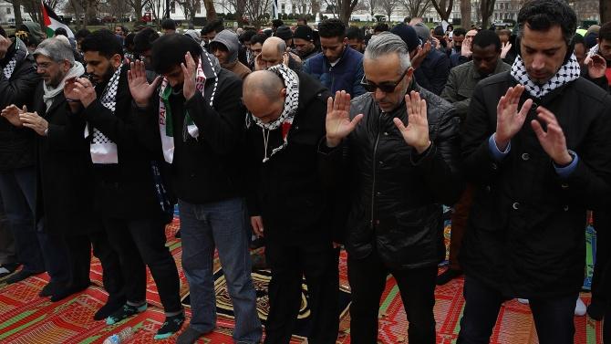 Мюсюлмани: Молим се за мир в Нагорни Карабах