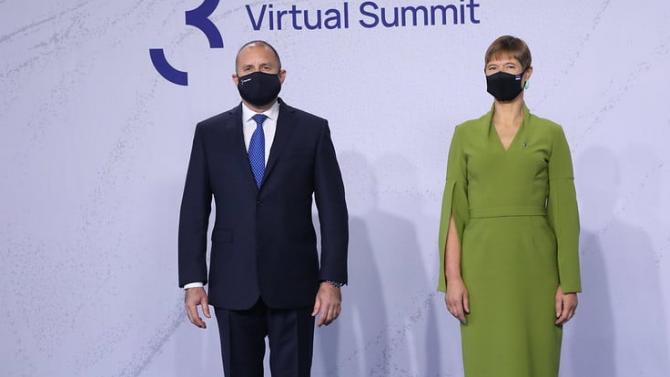Президентът Радев е контактен със заразен с COVID-19?