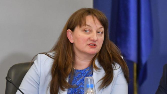 Сачева: Няма възможност пенсиите да бъдат преизчислени догодина