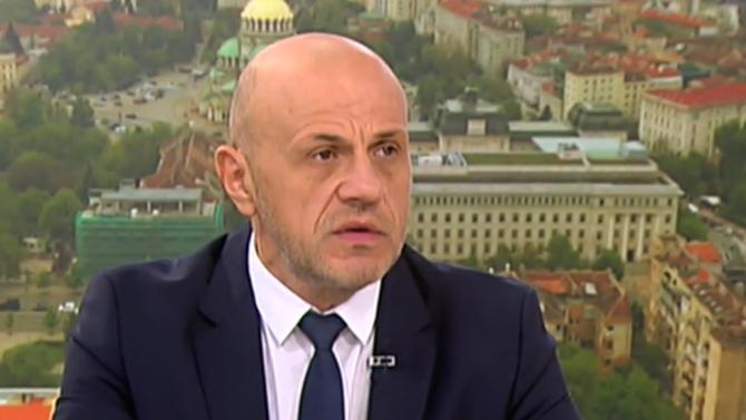 Томислав Дончев: Не можах да разбера как член на правителството е лишил Радев от вечеря в Естония