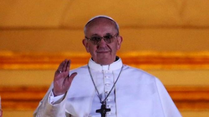 Папа Франциск се изказа в подкрепа на гей браковете