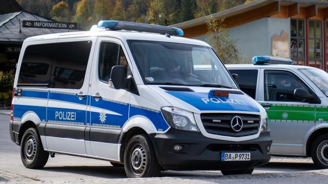 Германските власти в Дрезден задържаха през миналата нощ известен на