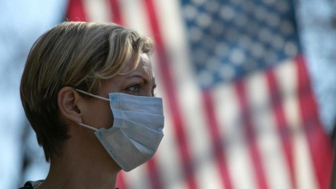 Рекорден брой хоспитализации с COVID-19 в САЩ от август насам