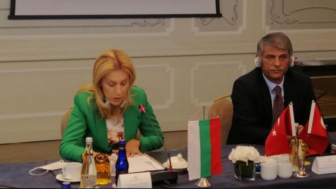 Вицепремиерът и министър на туризма проведе работна среща с най-големите