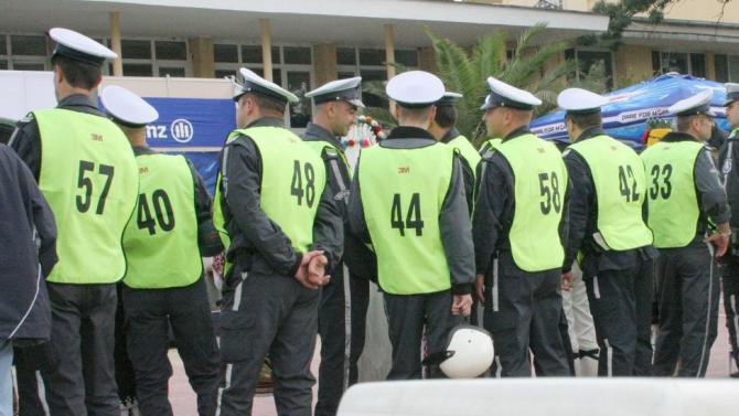300 служители на МВР се събраха в Кърджали на мирен протест
