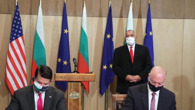 България и САЩ подписаха ключови документи в сферата на сигурността на 5G мрежите и на ядрената енергия за граждански цели